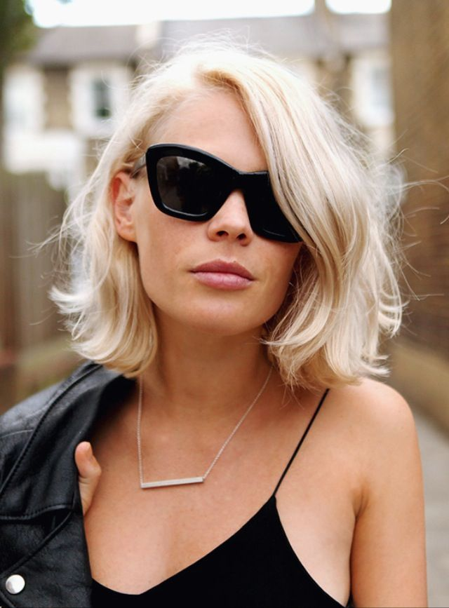 Get The Medium Hairstyle Which Suits Woman Of Any Age And
